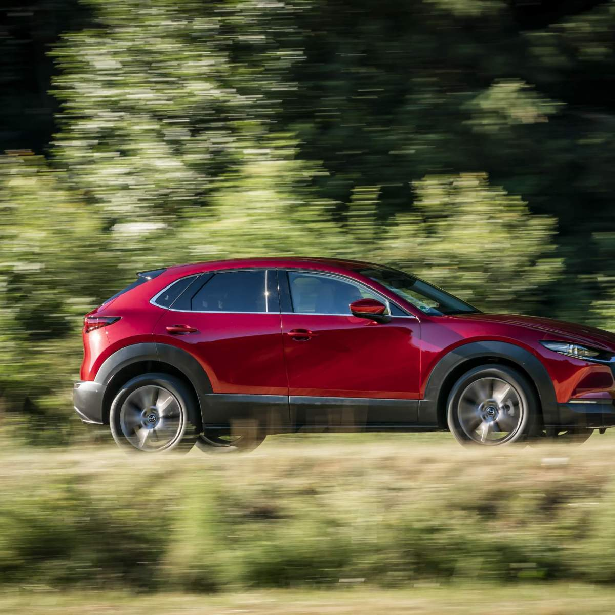 Mazda-CX-30_Action_Soul-Red-Crystal_17